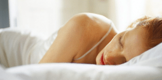 Femme qui dort