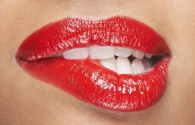Se mordiller les lèvres : comment en finir avec cette habitude
