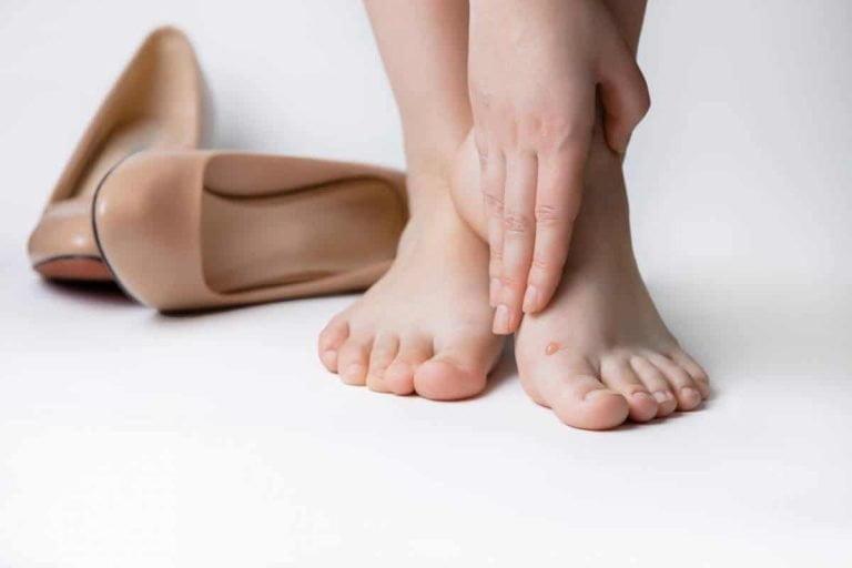 Les meilleures et les pires chaussures pour le mal de dos: comment bien choisir